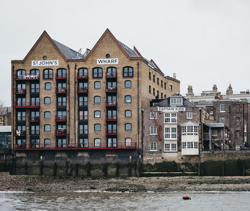 London Apartments On River Thames